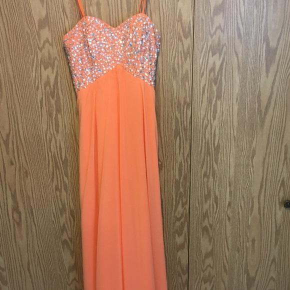 Dresses & Skirts - Grad dress